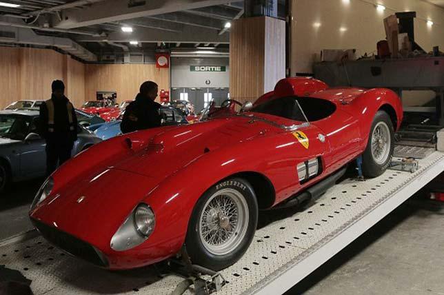 Açık arttırmada satılan en pahalı otomobil Klasik Ferrari