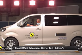 2015-Peugeot-Traveller-test