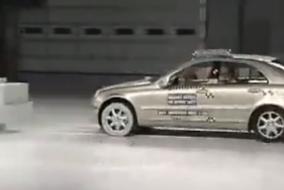 2001 Mercedes Benz C Class IIHS test