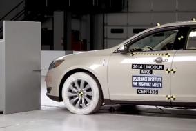 2014 Lincoln MKS IIHS test