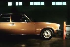 Opel Rekord ve SAAB 99 çarpışmalarının arasındaki fark