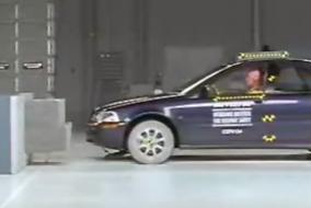 2002 Volvo S40 IIHS test