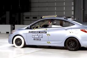 2013 Hyundai Accent IIHS test