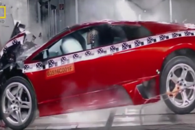 Lüks arabaların çarpışma testleri