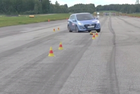 2015 Hyundai i30 Wagon yol tutuş testi