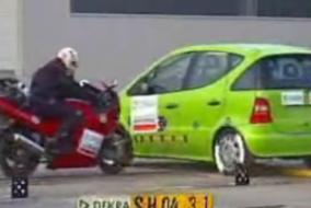 Motorsiklet kaza testlerinin sonuçları hiç iyi değil