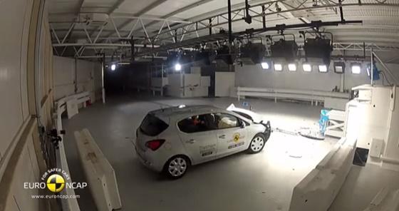 ArabaTeknikBilgi-2014-Opel-Corsa-test