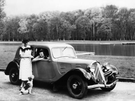 İlk önden çekişli araba