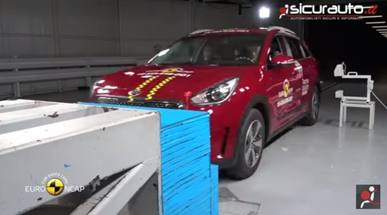 ArabaTeknikBilgi-2016-Kia-Niro-test