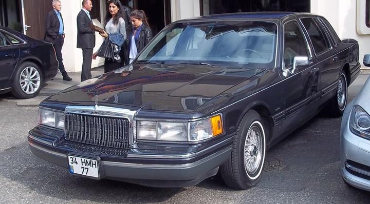 1990-1993 Lincoln Town Car