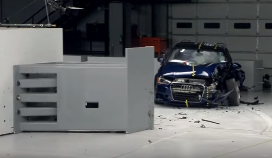 ArabaTeknikBilgi-2015-Audi-A3-Sedan-IIHS-test
