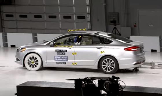 ArabaTeknikBilgi-2017-Ford-Fusion-IIHS-test