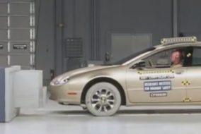 ArabaTeknikBilgi-2001-Chrysler-LHS-test