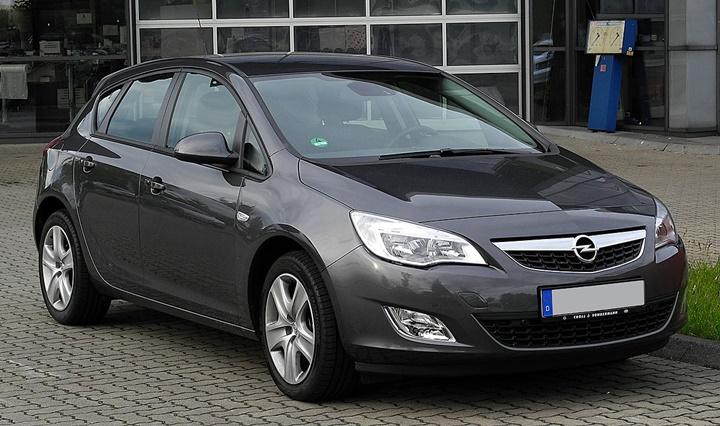 2009-2012 Opel Astra J Hatchback