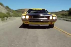 ArabaTeknikBilgi-Dodge-1970-Challenger-ve-2010-Challenger
