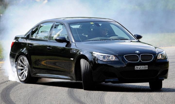 2005-2010 BMW M5 5.0i