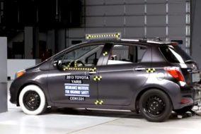 ArabaTeknikBilgi-2013-Toyota-Yaris-IIHS-test