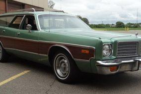 1975-1976 Dodge Coronet Crestwood 400